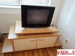 "TV Samsung Flat Screen 21"" i komoda za TV"