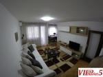 Celosno opremen i renoviran trosoben stan vo Kapistec